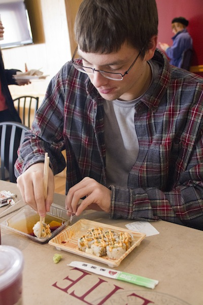 William DeBarba '17 enjoys sushi from Lower during lunch.[Photos by Hana Isihara '17]