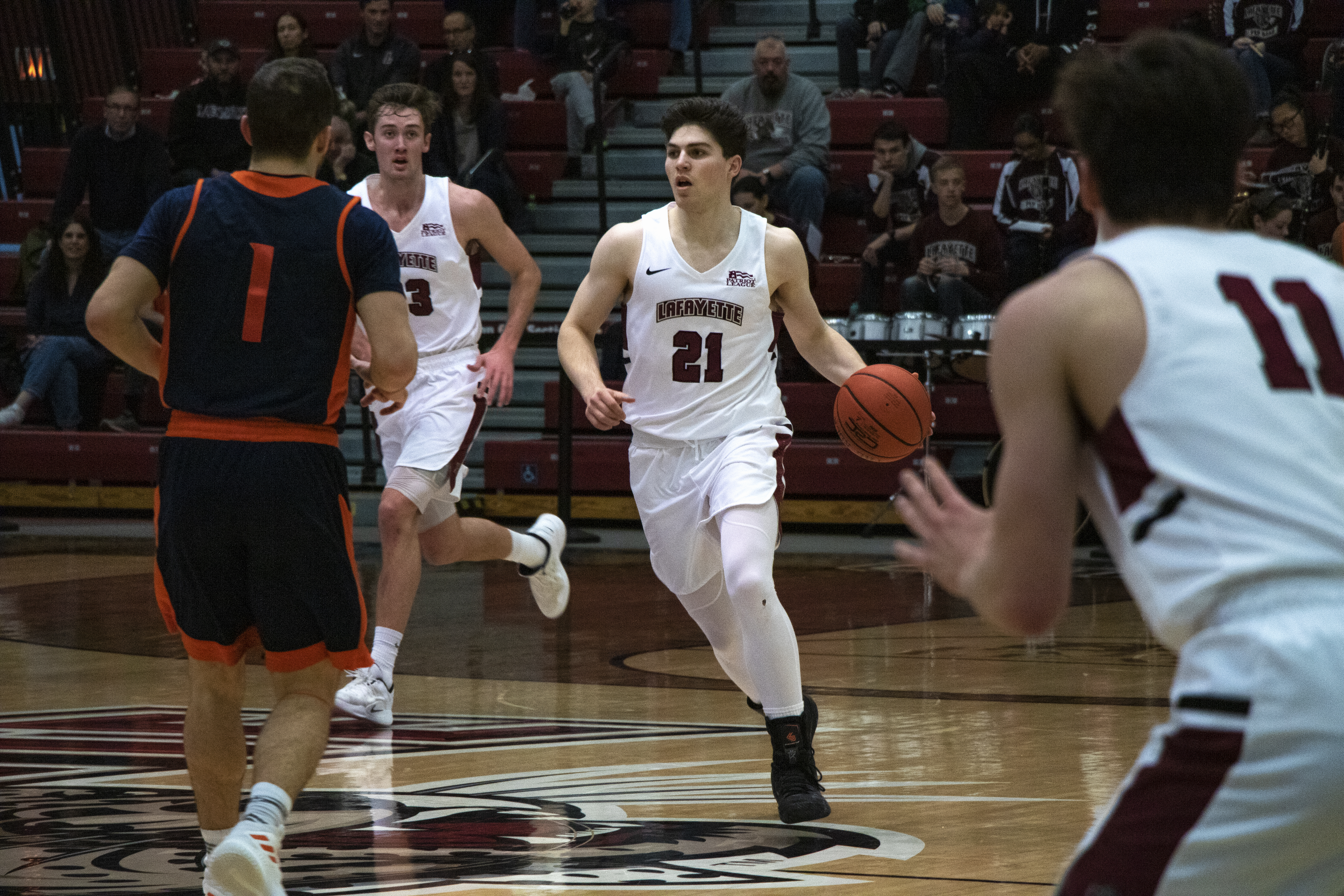 sports shoes cc620 fb7a4 Men's basketball snaps losing streak with win over Boston ...